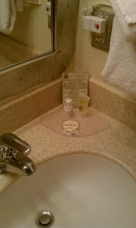 Santa Fe Sage Inn: Soap, shampoo, and lotion