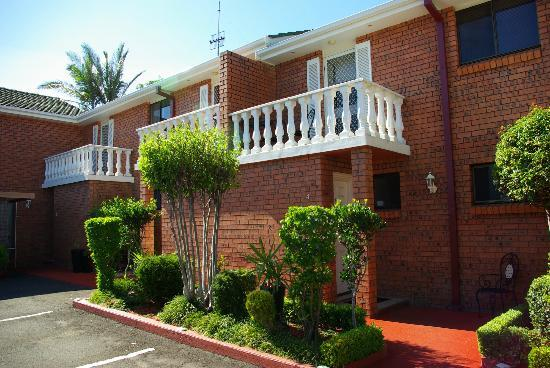 Avaleen Lodge Motor Inn: Apartments - best family value