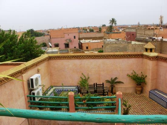 Riad Souika: Roof garden with view of city