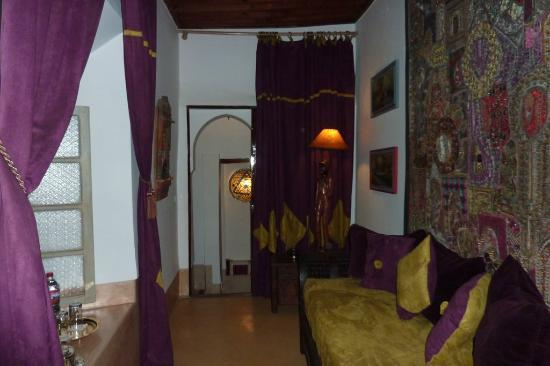 Riad Dar Oulhoum: SALON PRIVATIF SUITE MARRAKCHI