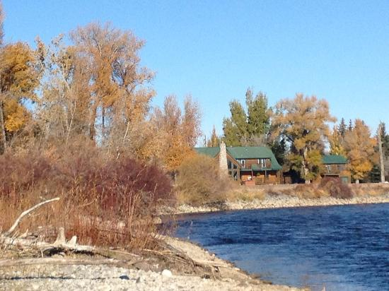 Rigby, ID: The Blue Herron Inn from the river view
