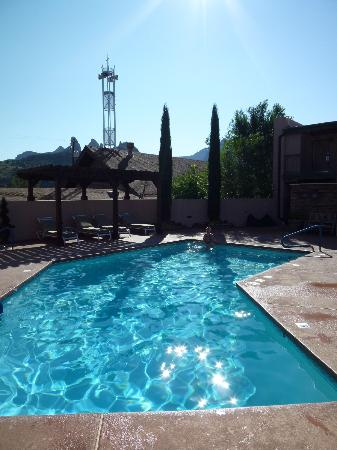 Matterhorn Inn : Swimming pool