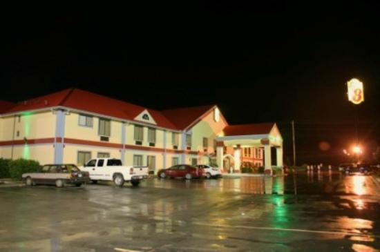 Super 8 Morristown: Night view of the motel.