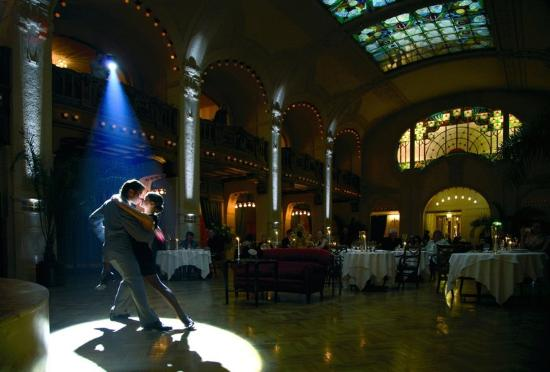 Grand Hotel Europe by Orient-Express: Jazz Night In L'Europe Restaurant
