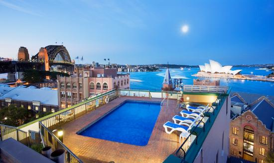 Holiday Inn Old Sydney: Rooftop Pool View