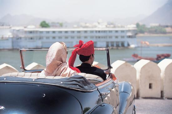 Taj Lake Palace Udaipur: Vintage Car