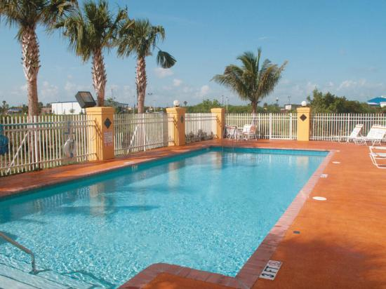 La Quinta Inn & Suites Ft. Pierce: Pool