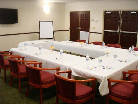 La Quinta Inn &amp; Suites Ft. Pierce: Meeting Room