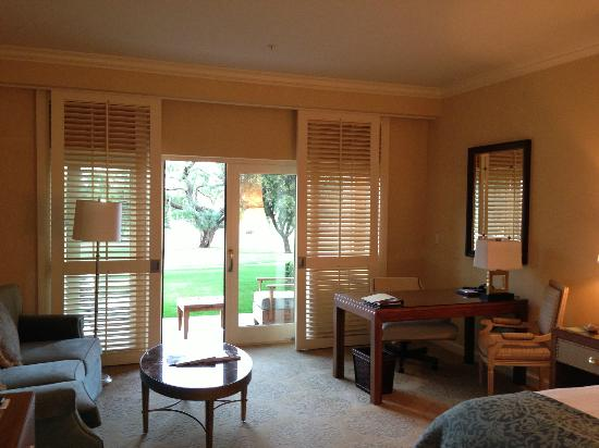 Four Seasons Resort and Club Dallas at Las Colinas: Villa Room