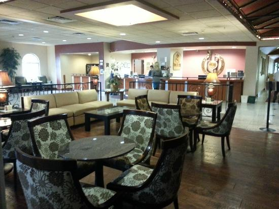 BEST WESTERN Plus Evergreen Inn & Suites: Dining area