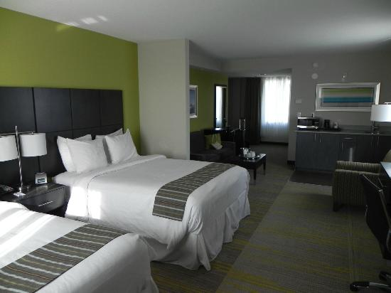 Comfort Suites Miami Airport North: Room