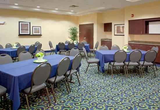 SpringHill Suites by Marriott New Bern: Pamlico Meeting Room