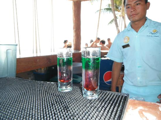 Real Playa del Carmen: Mexican flag shots