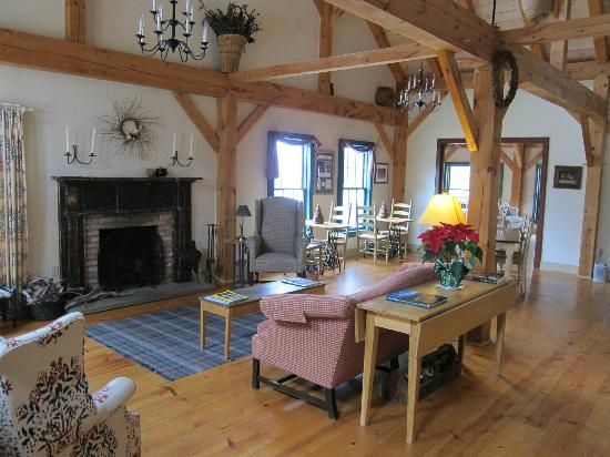 East Chatham, NY: Great Room at Inn at Silver Maple Farm