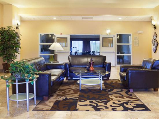 La Quinta Inn &amp; Suites San Antonio Northwest: Main Lobby