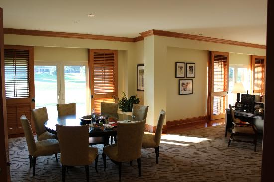 Four Seasons Resort and Club Dallas at Las Colinas: room