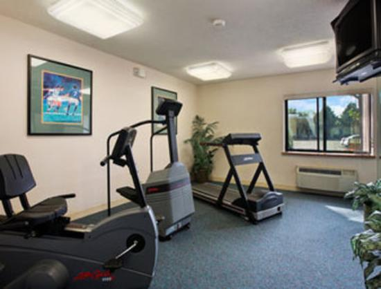 Travelodge Glenview: Fitness Center