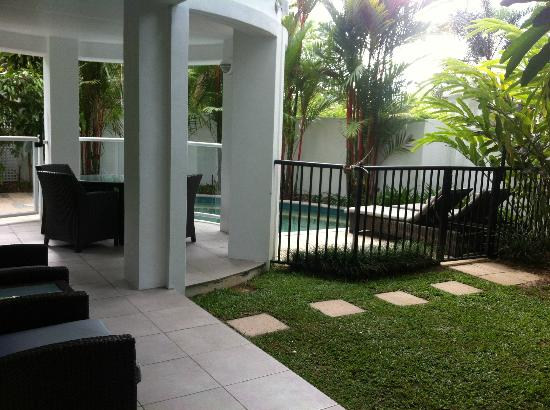 Peppers Beach Club Port Douglas: private outdoor area with plunge pool, BBQ & outdoor dining