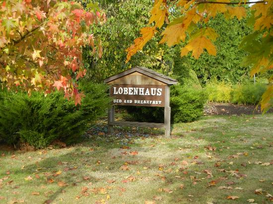 Lobenhaus Bed & Breakfast & Vineyard: Welcome Sign