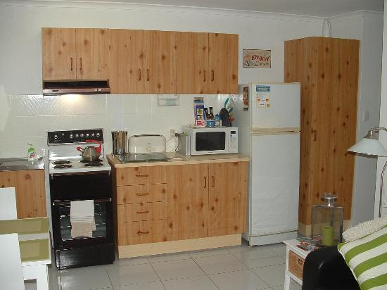 Peregian Beach, ออสเตรเลีย: Courtyard Apartment Kitchen