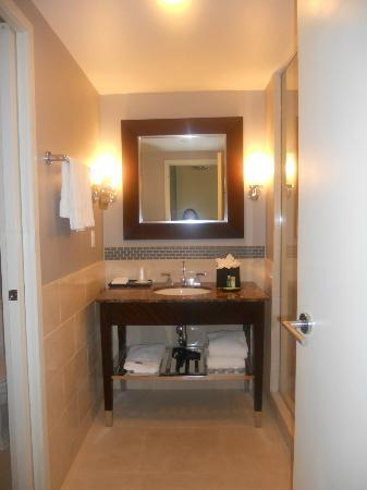 The Westin Washington National Harbor: Bathroom