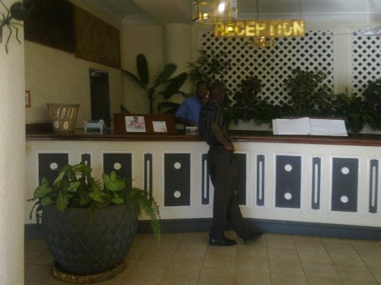 Sprayview Hotel: Counter, canteen