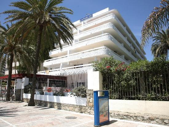 Fantastic location confortable clean room and aparthotel puerto azul marbella traveller - Aparthotel puerto azul marbella ...