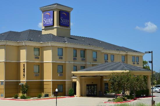 Sleep Inn & Suites: Hotel Exterior