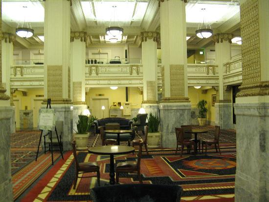 Embassy Suites Portland - Downtown: Spacious Restored Old Hotel Lobby