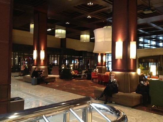 Sheraton Centre Toronto Hotel: Lobby 2