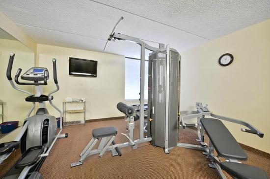 BEST WESTERN Luxbury Inn Fort Wayne: Brand new fitness Center