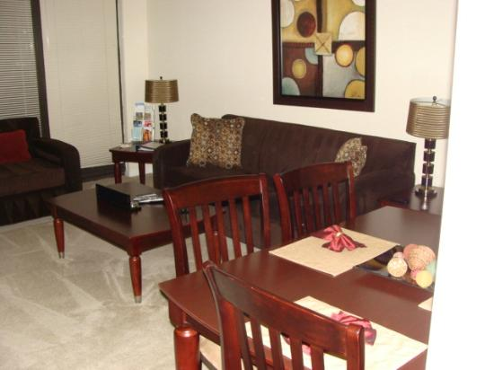 Crystal Quarters Corporate House: Living room and dining area