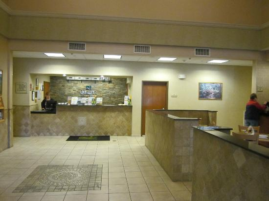Quality Inn & Suites Fishkill: check-in area