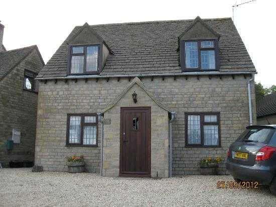 Corsham Field Farmhouse: The annex, which had 2 ensuite rooms up and 2 down.