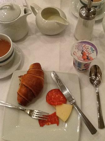 Grand Hotel Bonavia: limited breakfast