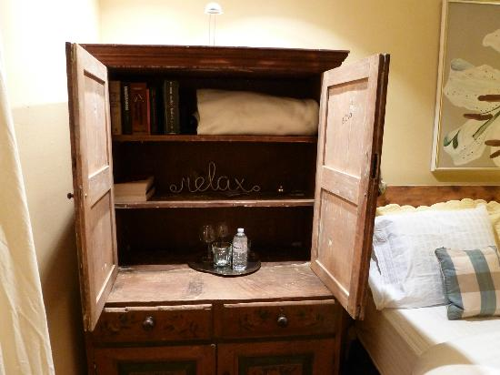 The Miller's House Bed and Breakfast: Armoire in the bedroom