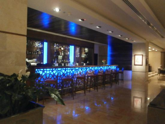 St. George Hotel Landmark: Bar