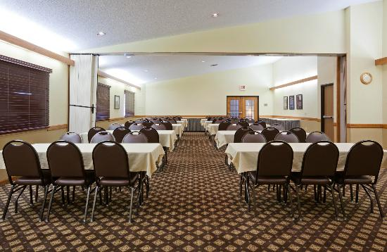 AmericInn Lodge & Suites Fergus Falls _ Conference Center: Meeting Space for up to 100