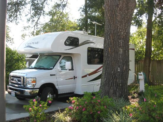 Majestic Oaks RV Resort