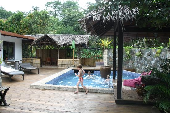 Planet Borneo Lodge: swimmingpool