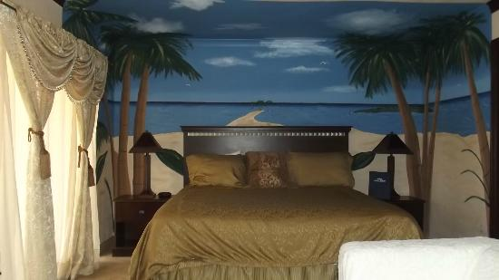 Howard Johnson Portland Airport : Hawaiian Room Themes