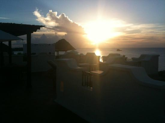 Cap Maison: Sunset from the rooftop pool!