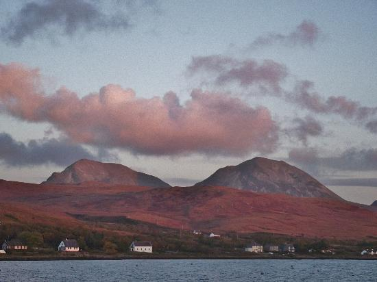 Jura Hotel: The view from the nearby pier...