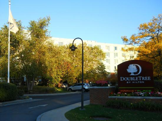 DoubleTree Club by Hilton Hotel Boston Bayside: Autumn in Boston was beautiful