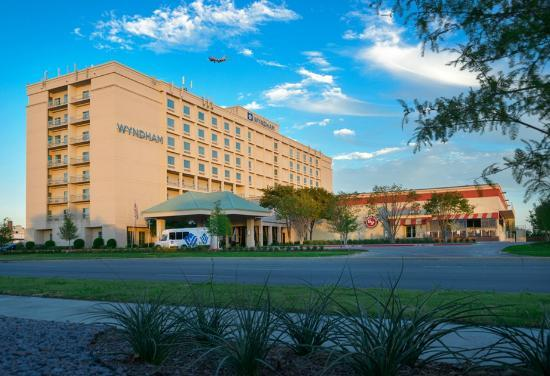 Photo of Wyndham Dallas Love Field