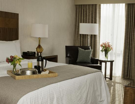 DoubleTree by Hilton Hotel Pittsburgh-Green Tree: Our newly renovated guest rooms