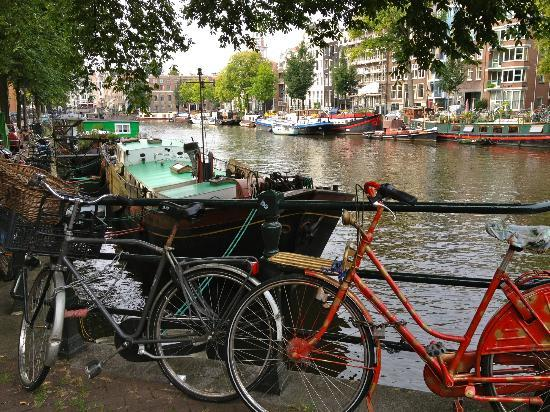 Amsterdam At Home Bed &amp; Breakfast: Bikes