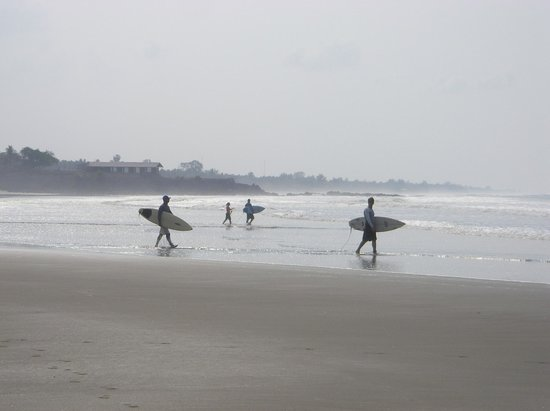 Atlakamani Surfing Resort:                   Beach