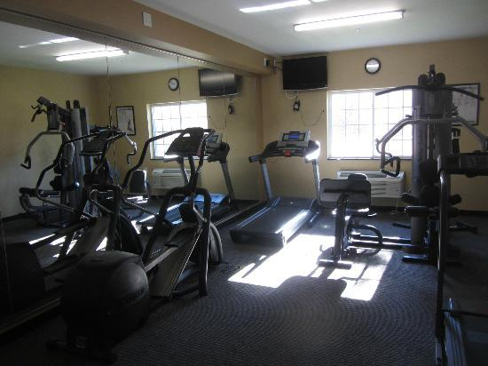 Clarion Inn & Suites Atlantic City North: Fitness Room