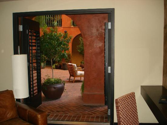Hotel Valencia Riverwalk: Ground floor Courtyard Room